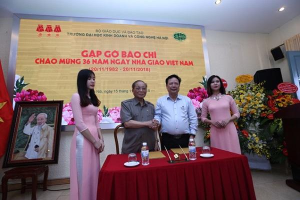 36 năm ngày Nhà giáo Việt Nam 20/11/1982 - 20/11/2018 Trường Đại học Kinh doanh và Công nghệ Hà Nội tổ chức gặp gỡ báo chí  - Ảnh 6
