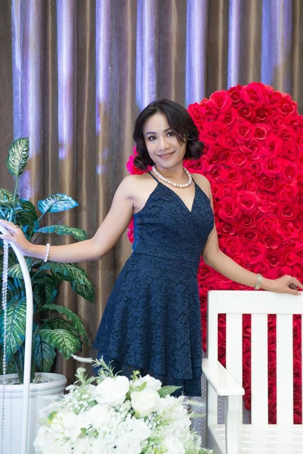 Giám đốc truyền thông Lê Phạm trẻ trung đến chúc mừng hôn lễ của CEO Lý Nhã Lan - Ảnh 10