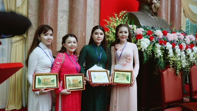 """Mỹ phẩm Phúc Ngân tổ chức Gala hoành tráng """"Vinh danh Người Phụ nữ"""" năm 2019 - Ảnh 1"""