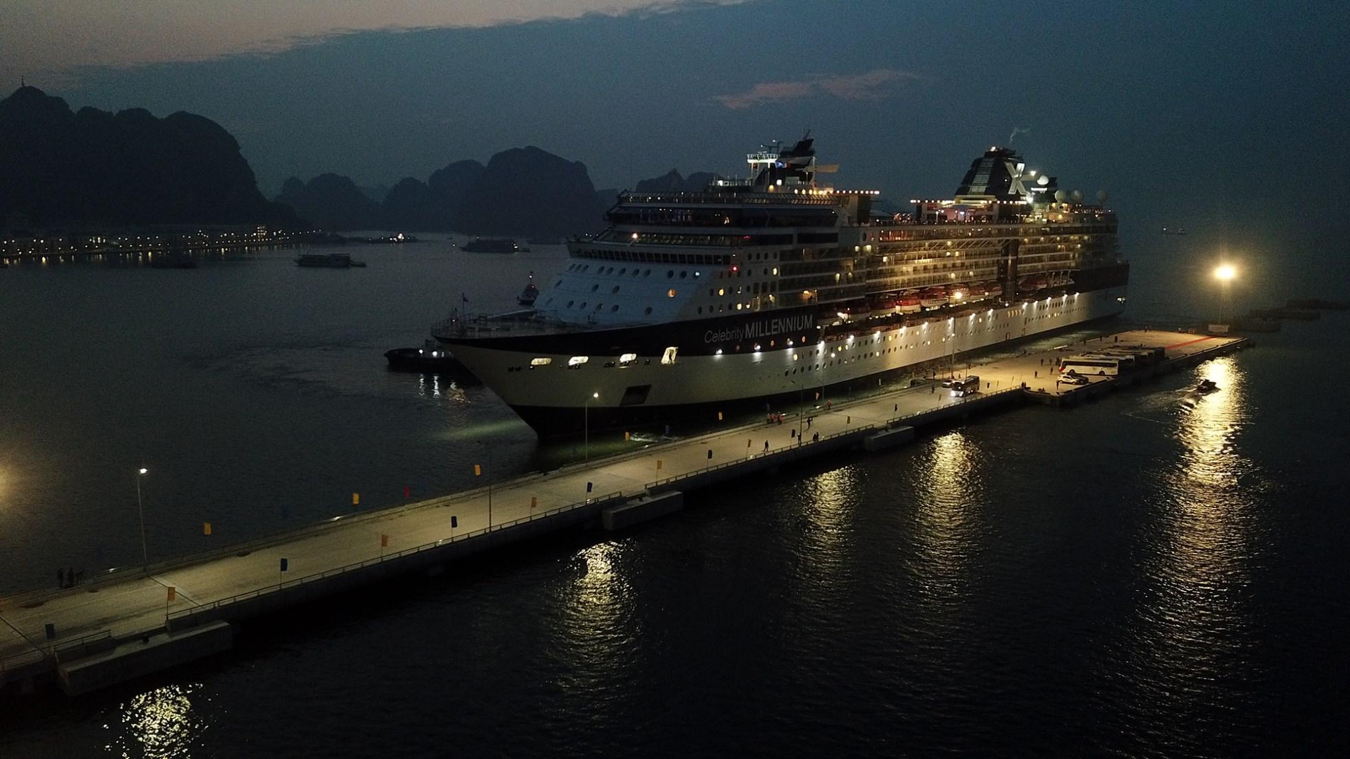 Cảng hành khách du lịch quốc tế Hạ Long đón chuyến tàu 5 sao đầu tiên - Ảnh 5