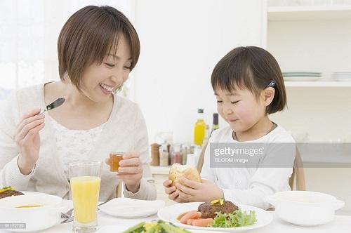 """Truy tìm """"chiêu độc"""" giúp trẻ 5 tuổi hết biếng ăn - Ảnh 1"""