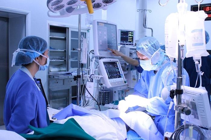 Mổ tim không đau tại Vinmec: Bước đột phá trong phẫu thuật tim hở - Ảnh 2