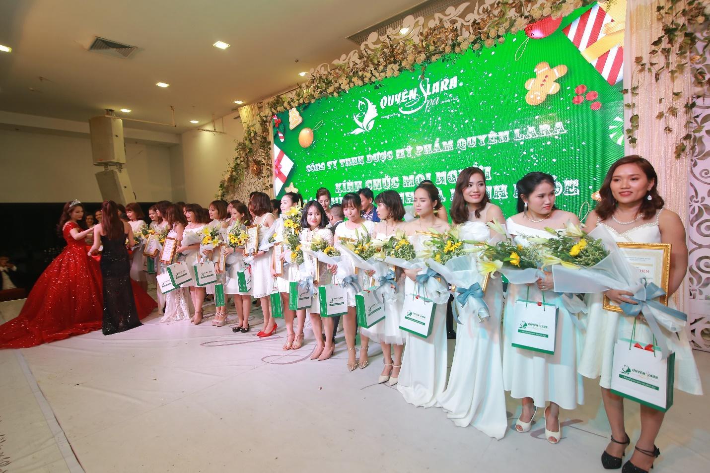 Quyên Lara tổ chức đại tiệc tri ân hệ thống gần 3 tỷ đồng - Ảnh 9