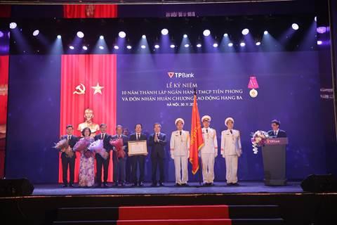 TPBank đón nhận Huân chương lao động Hạng Ba - Ảnh 2