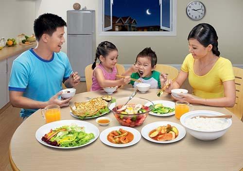 Bé 3 tuổi biếng ăn, mẹ hãy làm ngay các cách sau, đảm bảo con ăn thun thút! - Ảnh 3