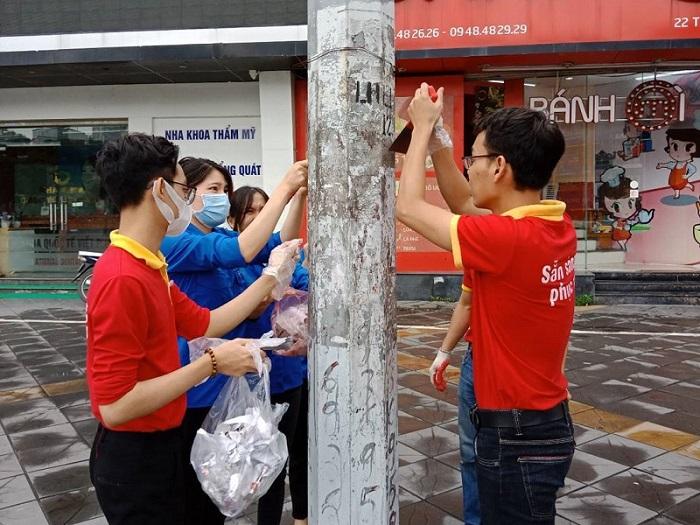 """Áo đỏ tình nguyện giúp sức """"Mùa hè xanh"""" - Ảnh 5"""