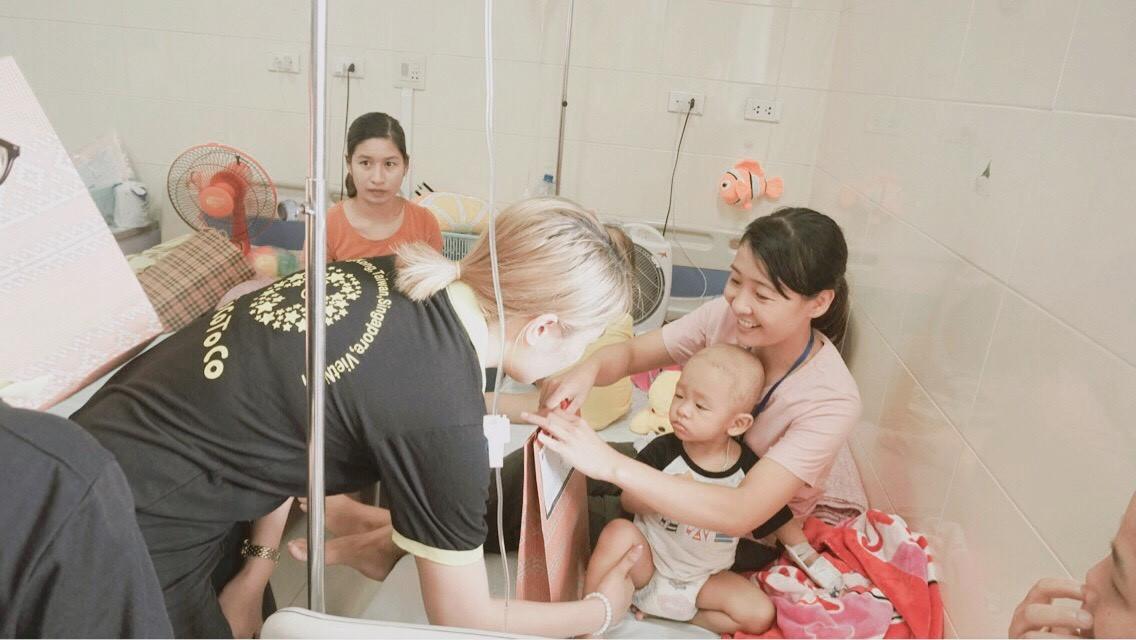 TocoToco đón Trung thu cùng các trẻ em tại khoa Nhi bệnh viện K Tân Triều - Ảnh 9