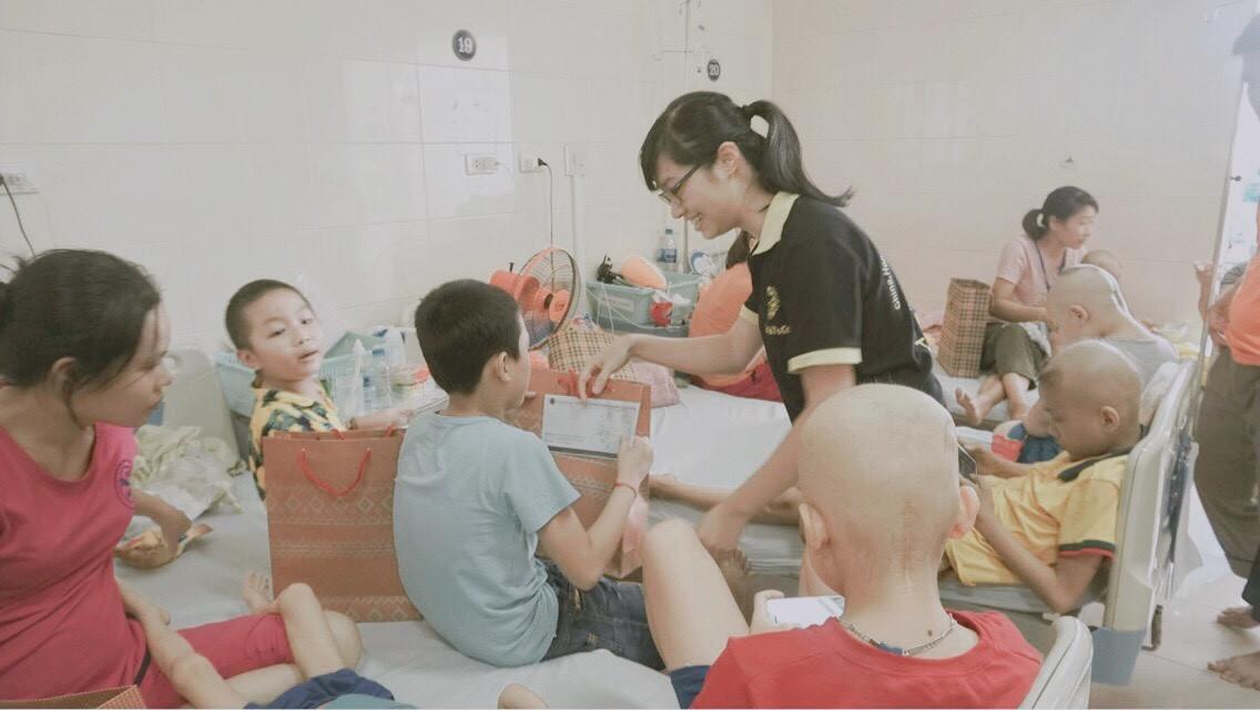 TocoToco đón Trung thu cùng các trẻ em tại khoa Nhi bệnh viện K Tân Triều - Ảnh 8