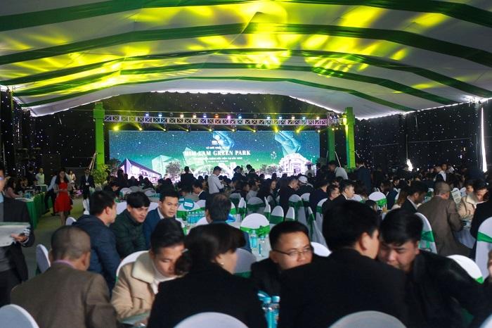 Him Lam Green Park gây ấn tượng ngay trong ngày đầu ra mắt dự án - Ảnh 1