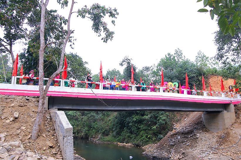 Lễ khánh thành cây cầu dân sinh mang ý nghĩa lịch sử  - Ảnh 1