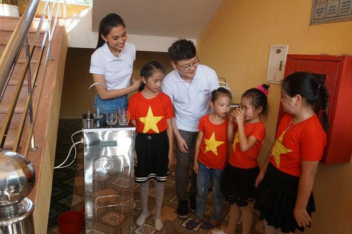Tập đoàn Tân Á Đại Thành chung tay nâng cao thể lực, trí lực cho học sinh vùng cao  - Ảnh 2