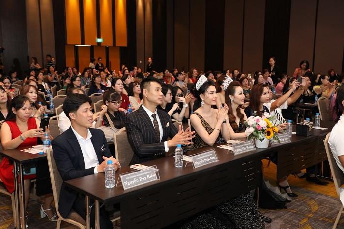 """""""Hội thảo giảm béo - Trẻ hóa da lớn nhất 2020"""" của KHAAN """"vỡ trận"""" khách tham dự  - Ảnh 2"""