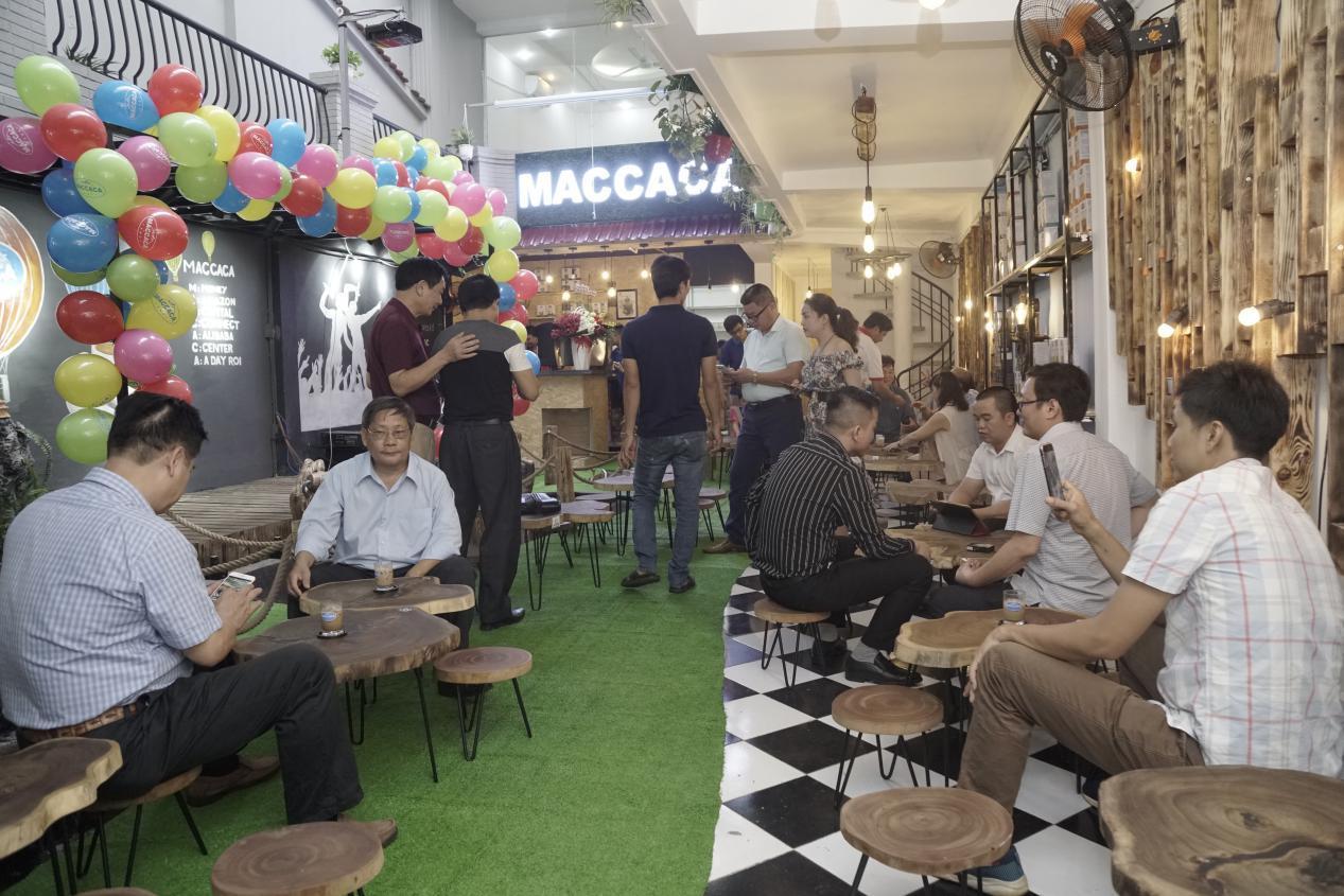 Chuỗi Maccaca Coffee tưng bừng khai trương - Ảnh 3