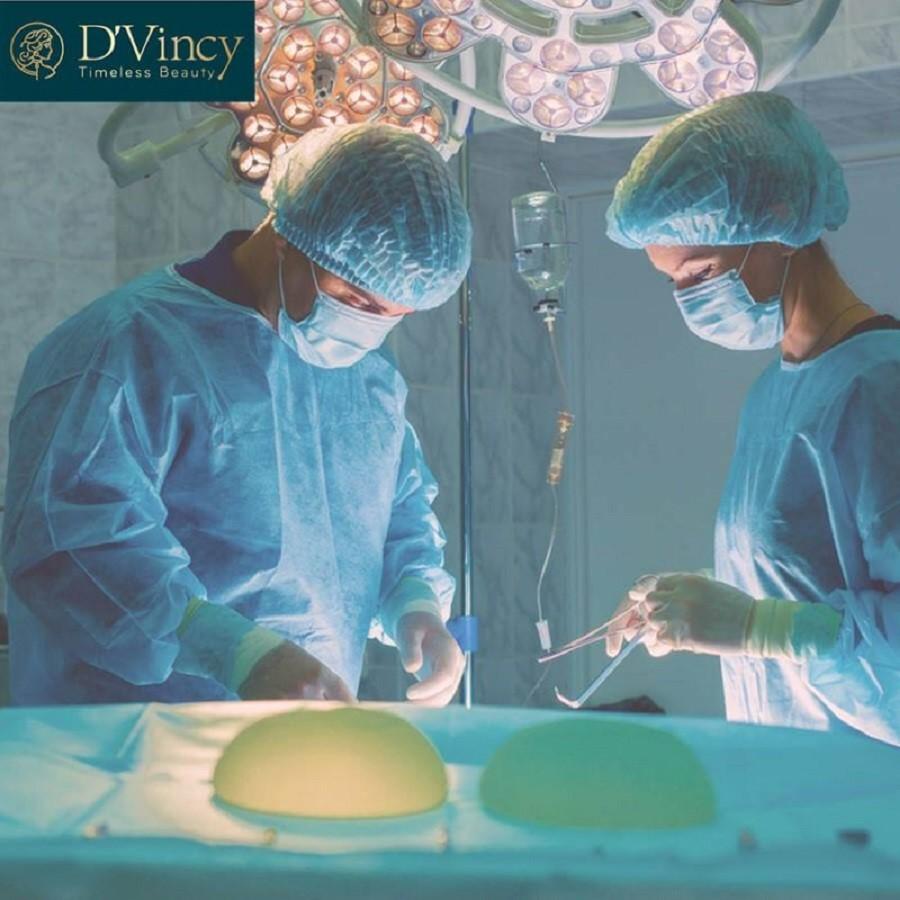 Phẫu thuật nâng ngực dưới góc nhìn của chuyên gia D'vincy - Ảnh 2
