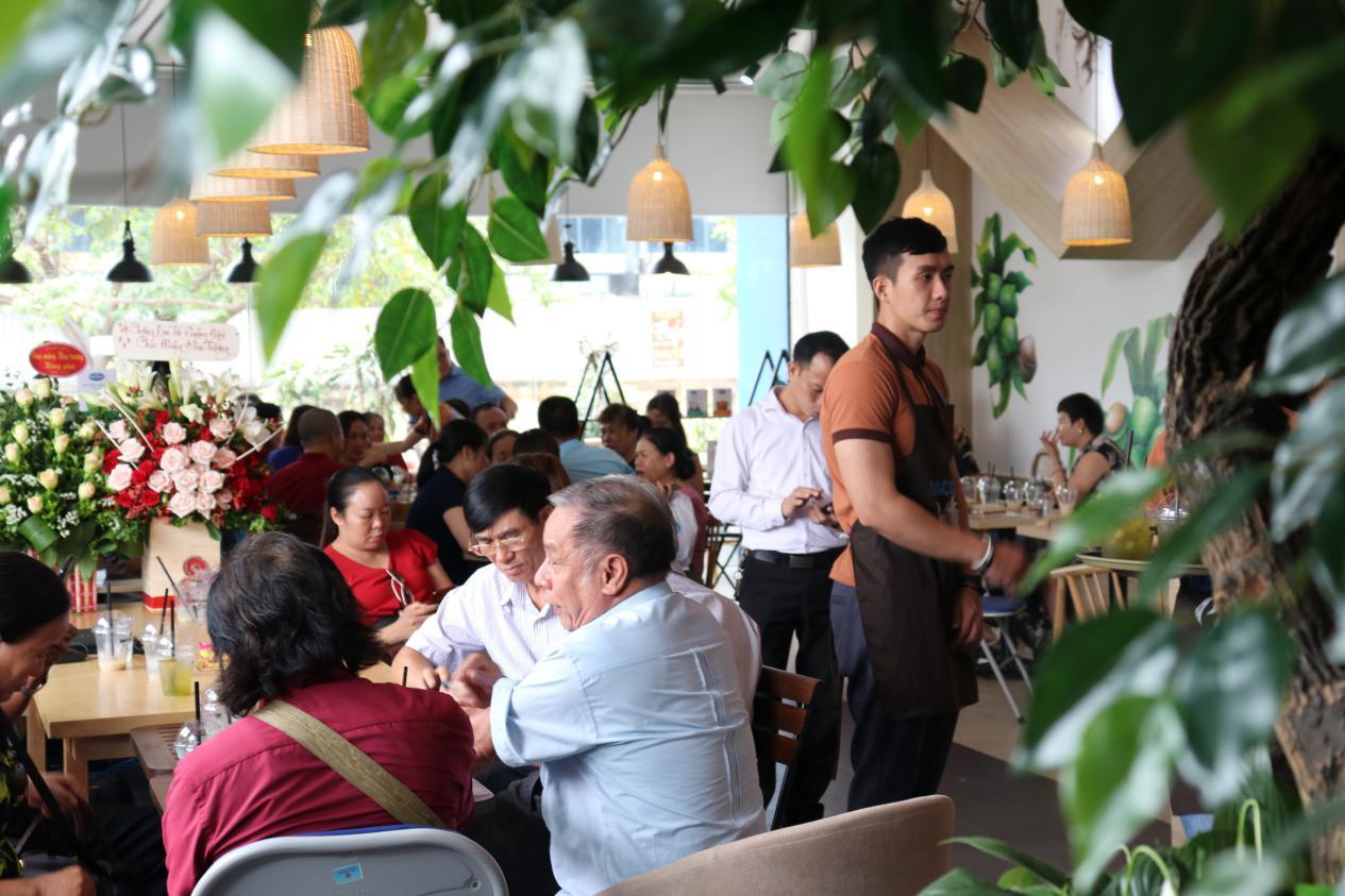 Tưng bừng khai trương Maccaca Coffee 18 Phạm Hùng - Hà Nội - Ảnh 5