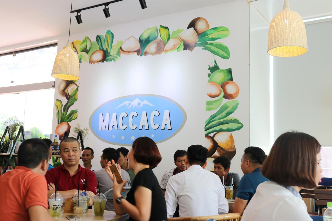 Tưng bừng khai trương Maccaca Coffee 18 Phạm Hùng - Hà Nội - Ảnh 6