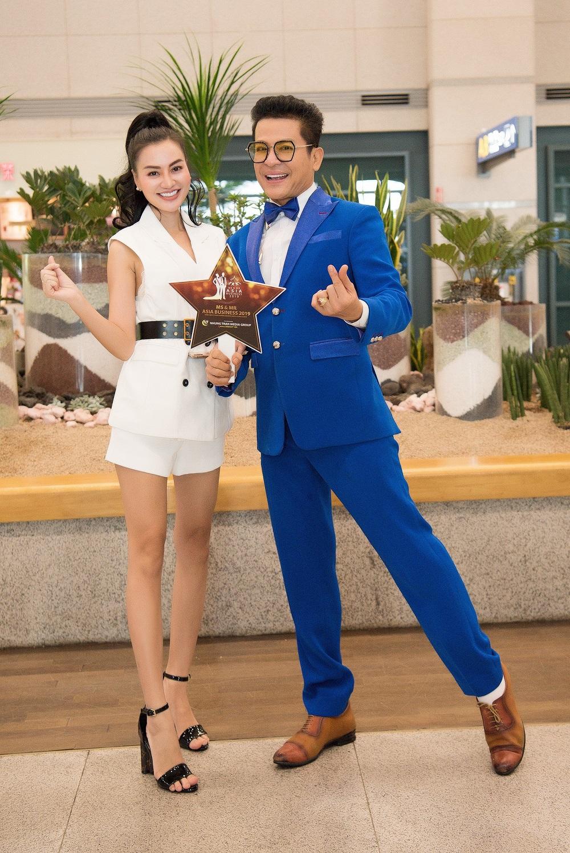Nữ hoàng Trần Huyền Nhung đón đoàn Ms & Mr Asia Business 2019 tại sân bay Hàn Quốc - Ảnh 3