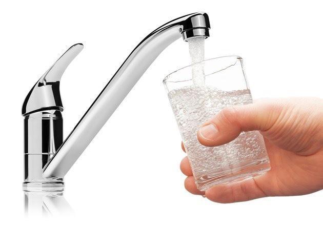 Làm thế nào để xử lý nước máy có mùi Clo?  - Ảnh 1