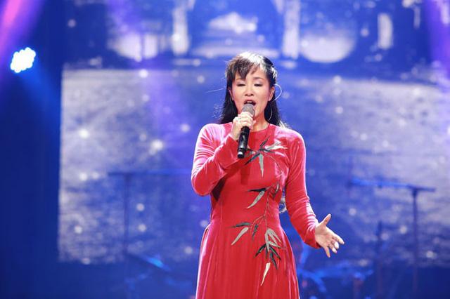 """Diva Hồng Nhung xin lỗi khán giả vì hát nhầm ca khúc """"Thu vàng"""" - Ảnh 3"""