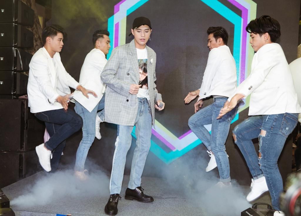 Noo Phước Thịnh xuất hiện tiều tụy, hủy hàng loạt show giữa ồn ào bị nhạc sĩ Mỹ kiện - Ảnh 2