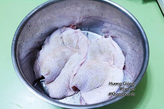 Món ngon mỗi ngày: Cách làm gà hấp hành nóng hổi thơm ngon - Ảnh 2