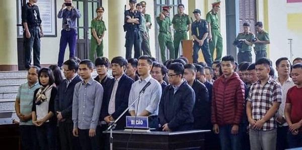 Những con số ấn tượng trong ngày đầu mở tòa xét xử ông Phan Văn Vĩnh - Ảnh 2