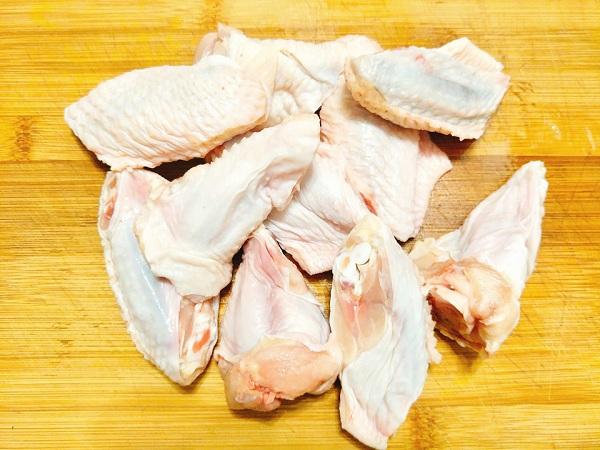 Món ngon mỗi ngày: Cánh gà nướng bơ tỏi thơm giòn  - Ảnh 2