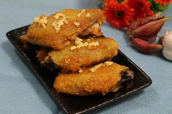 Món ngon mỗi ngày: Cánh gà nướng bơ tỏi thơm giòn  - Ảnh 7