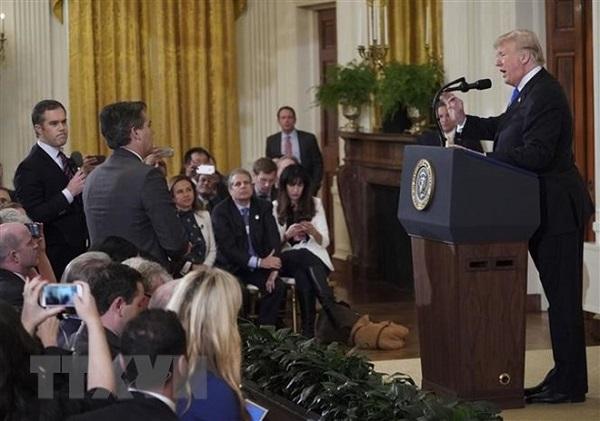 """Nhà báo CNN được khôi phục """"thẻ cứng"""" để tác nghiệp tại Nhà Trắng - Ảnh 1"""