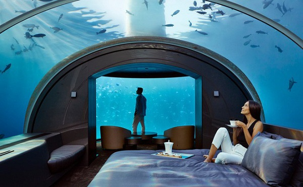 Có gì bên trong khách sạn dưới đáy biển đầu tiên trên thế giới, giá thuê 1,1 tỷ đồng/đêm - Ảnh 1