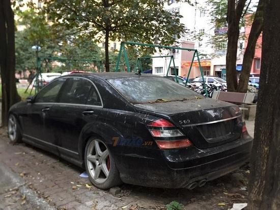 Góc xót của: Xế sang Mercedes 10 tỷ phủ bụi trên phố Hà Nội hàng tháng trời - Ảnh 2