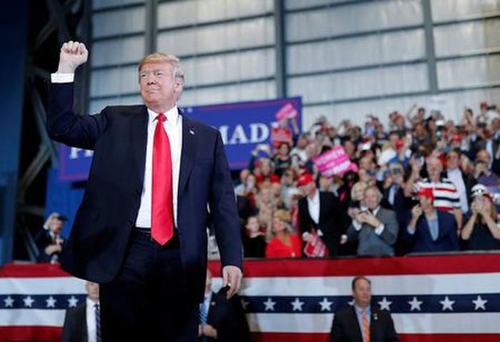 Toàn nước Mỹ bước vào cuộc bầu cử quan trọng - Ảnh 1