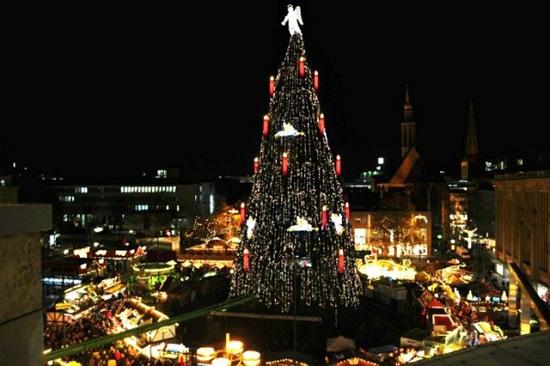 Khám phá những điều đặc biệt về phong tục đón Giáng sinh trên khắp thế giới - Ảnh 3