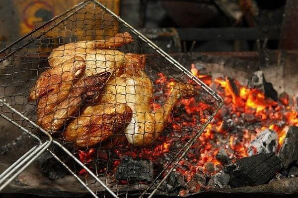 Món ngon mỗi ngày: Trổ tài làm gà nướng muối ớt đãi cả nhà ngày Tết Dương lịch - Ảnh 2