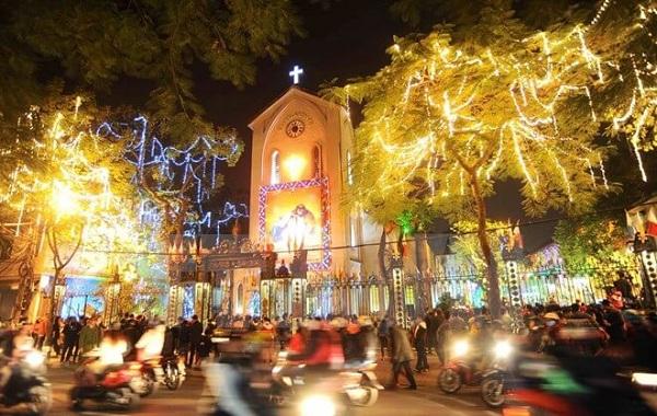 Những địa điểm vui chơi Giáng sinh ở Hà Nội lý tưởng dành cho các bạn trẻ - Ảnh 2