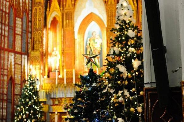 Những địa điểm vui chơi Giáng sinh ở Hà Nội lý tưởng dành cho các bạn trẻ - Ảnh 1