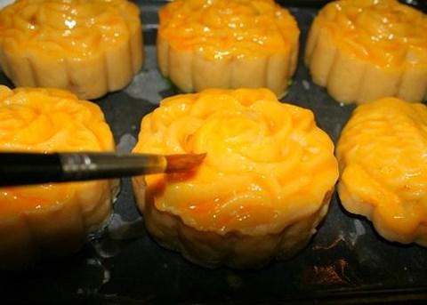 Cách làm bánh trung thu nhân đậu xanh cực ngon tại nhà - Ảnh 4