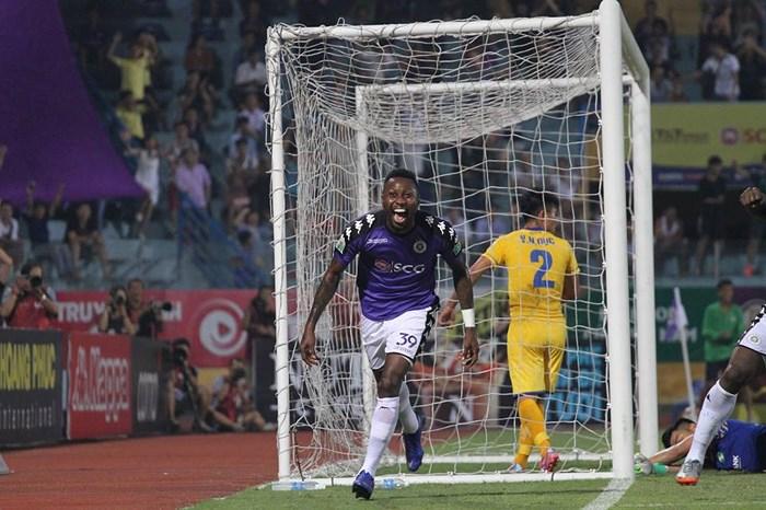 Đánh bại SLNA, Hà Nội FC vô địch sớm nhất lịch sử V.League - Ảnh 2