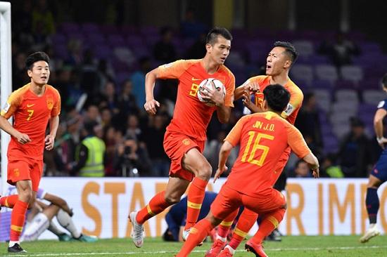 """Kết quả Asian Cup 2019 ngày 20/1: Sau loạt """"đấu súng"""" cân não, Việt Nam thẳng tiến tứ kết  - Ảnh 2"""