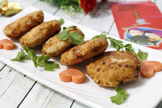 Món ngon mỗi ngày: Chả gà thơm lừng, giòn sần sật khiến cả nhà mê tít - Ảnh 1