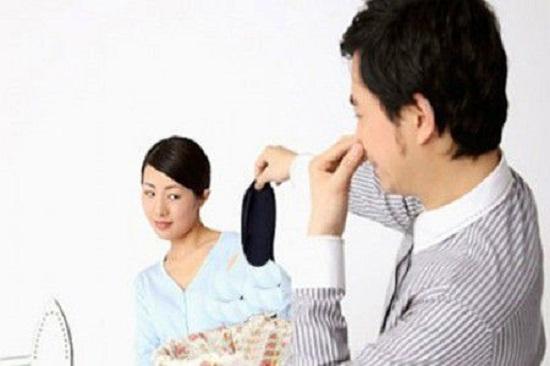 Phát hoảng với cô vợ lười tắm gội, chồng đệ đơn ly hôn - Ảnh 2