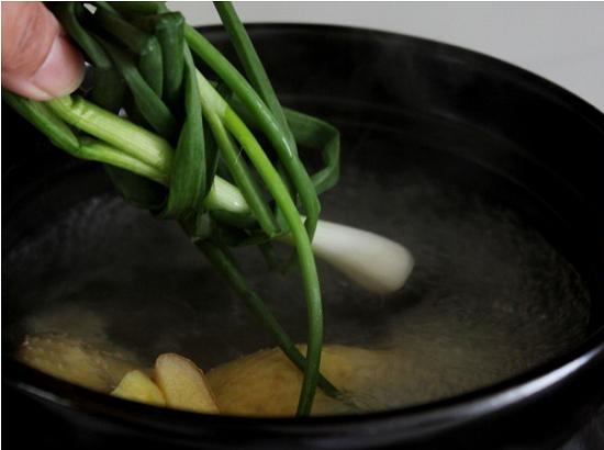 Món ngon mỗi ngày: Canh gà hầm rau củ ngon miệng, bổ dưỡng - Ảnh 4