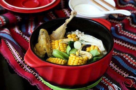 Món ngon mỗi ngày: Canh gà hầm rau củ ngon miệng, bổ dưỡng - Ảnh 1