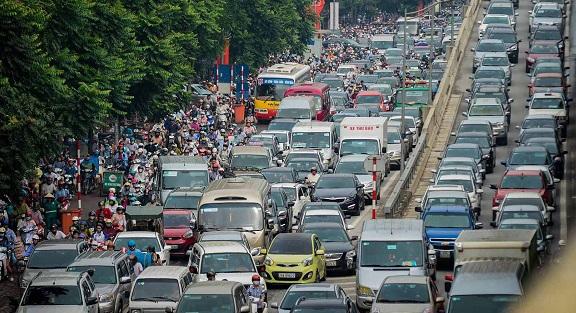 Cận Tết Nguyên đán, đường phố Hà Nội ùn tắc, chật cứng như nêm từ sáng tới chiều - Ảnh 1