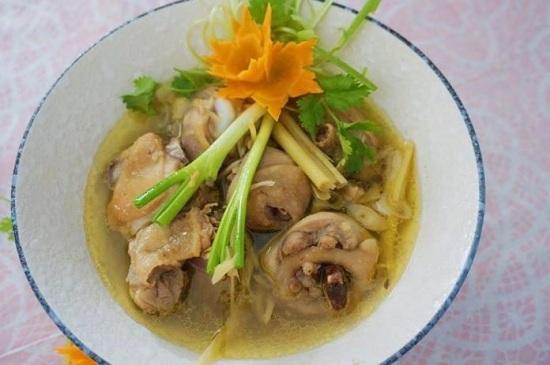 Món ngon mỗi ngày: Canh gà nấu sả nóng hổi cho bữa tối mùa đông - Ảnh 5