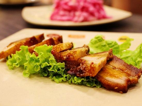 Món ngon mỗi ngày: Thịt ba chỉ rán thơm nức mũi hấp dẫn vô cùng - Ảnh 1