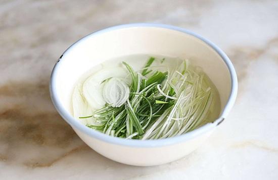 Món ngon mỗi ngày: Học người Hàn làm thịt áp chảo đổi vị cho ngày lạnh - Ảnh 4