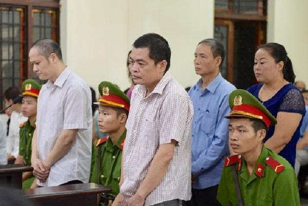 Sáng nay (14/10), loạt cựu quan chức Hà Giang tái hầu tòa vụ sửa điểm thi THPT Quốc gia - Ảnh 1