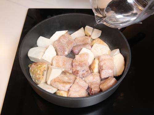 Thịt sườn đem kho với thứ này đảm bảo cả nhà thích mê - Ảnh 4