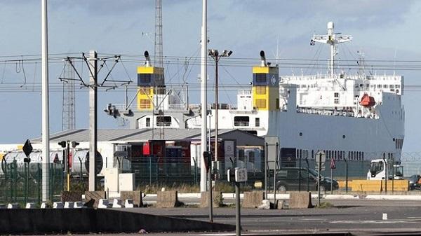 Phát hiện thêm hàng chục người di cư trái phép sang Anh trên xe tải - Ảnh 1